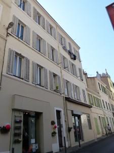 Immeuble en bloc avec locaux commerciaux à Marseille (Vauban)