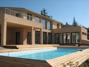 Maison contemporaine respectueuse de l'environnement à Montauroux (83440)