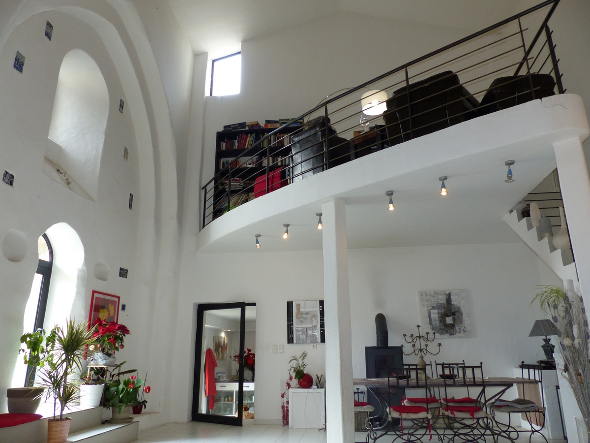 ancienne chapelle du xiii me si cle r habilit e en deux maisons aux portes du lub ron hors. Black Bedroom Furniture Sets. Home Design Ideas
