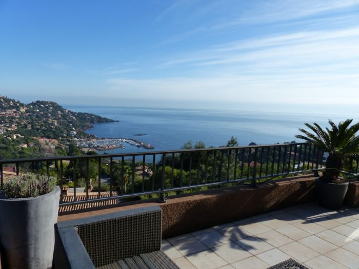 VIilla - 4 appartements superposés vue mer