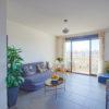 Appartement dernier étage traversant deux balcons avec vues dégagées – Plage à 400m / Parc Borély à 100m